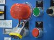 9: Sicherheitsabdeckung für Drucktasten (mittel)