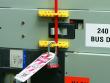 13: Schutzschalter-Verriegelung (480-600 V)